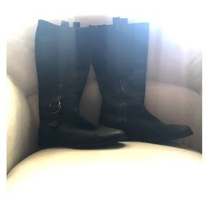 Cole Haan black leather boots! 💫